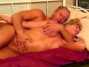 Blonde Hoe Rubdown That Dude And Waits For Jizz-shotgun In Her Cunt