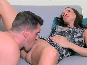 Sexy Casting Female Agent Fellates Customers Dick So Good!!!
