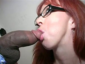Red-haired chick in glasses gets fucked and creampied