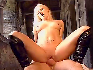 Kinky Blonde Wants to Fellate the Fucky-fucky Guru