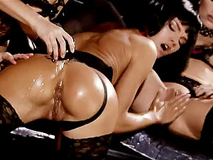 Stunning Lezzie Stunners Have fun With Each Other´s Fuckboxes