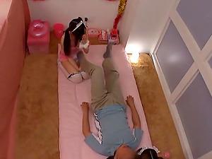 Inexperienced Hoties In Threesome Providing A Blow-job As He Licks Vulva