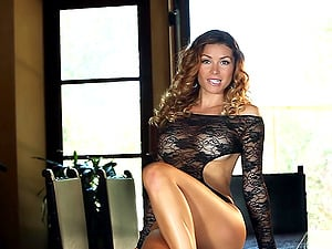 Heather Vandeven takes her lace undergarments off to have fun with her twat