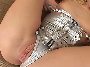 Sizzling Kelly Wells gets fucked ferociously by three guys