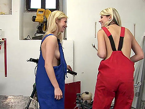 Sizzling, Youthfull Blonde Girl-on-girl Getting Her Bald Beaver Tongued
