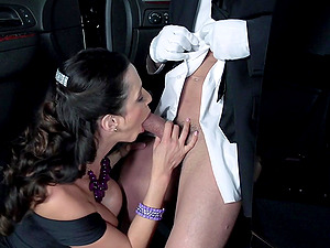 Mummy Gets Hard-core Fucked By Her Limo Driver