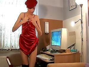 Horny Blonde With Smallish Tits Masturbates In Homemade Reality