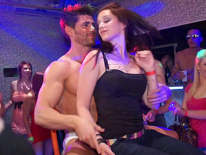Dance soiree in a club quickly becomes a steamy orgy 5