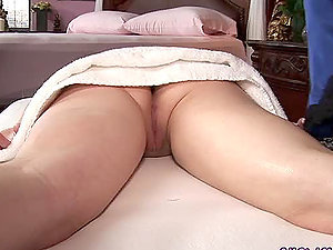Nasty Asian masseuse has tempted her female customer again