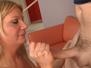 An erotic twat drilling activity with blonde donk slurper