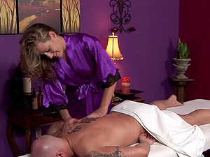 Delivery boy gets paid with a tremendous deep throat and handjob