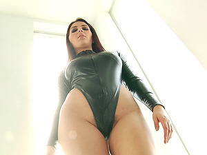 Big-titted dark-haired in a leather garb gets dual penetrated