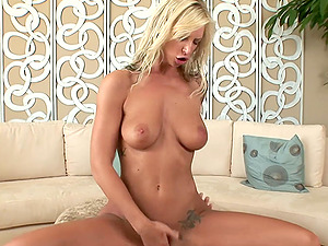Brooke Banner gets all creamy taking big dick in her cunt