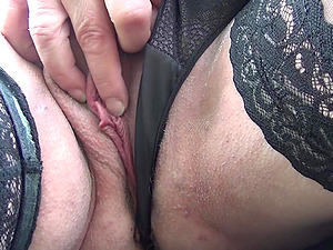 German big mature granny playing with her twat outside