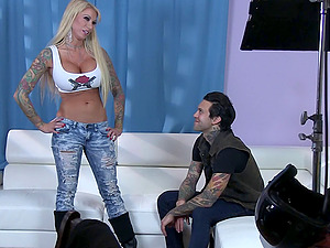 Punk porno behind the scenes with hot tattooed chicks