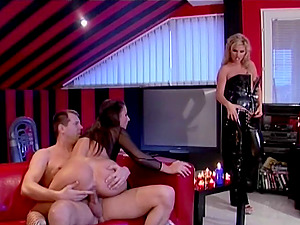 Sexy mistress predominates a duo and has them fuck for her