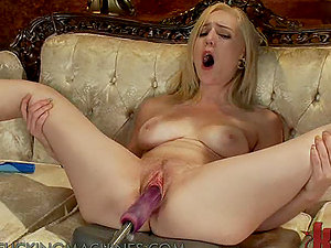 Skank Screaming Her Way To Orgasm On Machine