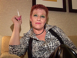 She always liked to suck the dick after a nice ciggy!