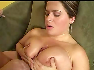 Big sexy titties and a nice fat culo on this curvy fuck bitch