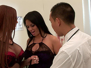 These sapphic senoritas are blessed to get drilled like never before!