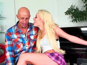 Cum-eating for the diminutive tits blonde Rebecca Blue