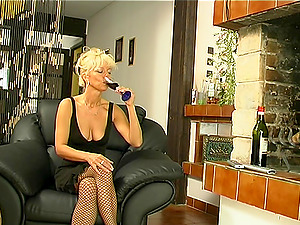 Classical matured cowgirl throbbed xxx from different positions
