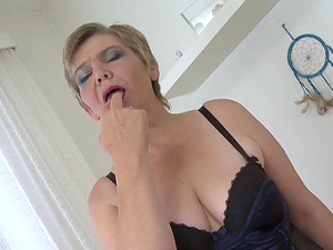 Big-boobed Dutch chick with saggy tits and her love for the fucky-fucky playthings