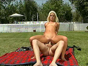 Picnic with a blonde turns into pounding her snatch in rear end style