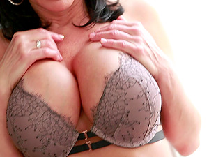 Faux tits cougar assfuck smashed xxx while yelling