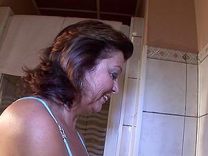 Katja V. finger-tickling her fuck fuck hole sensing so damn good