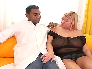 Chubby blonde Venus B rails Franco Roccaforte's big black man sausage