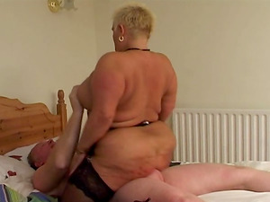 Chubby stunner in age in stockings has her copher slammed