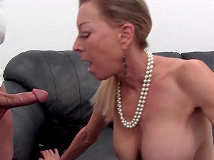 GILF Diana tempting us with the way she touches her peach