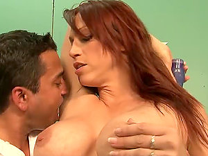 Nicki Hunter masturbates her beaver and gets it fucked