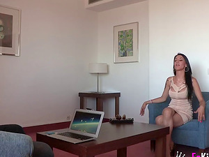 Leggy chick Sara Ray has a great time with a horny hunk