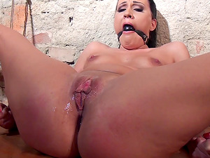 Clair Brooks spreads her legs for an experienced man