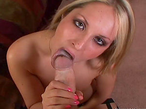 Stunning Chelsie Rae gives a oral job and gulps jizz