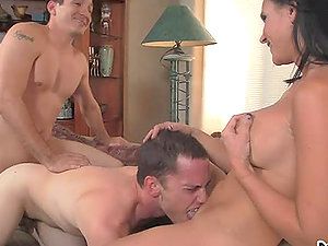 Ariel Avalon plays dirty games with bisexual dudes
