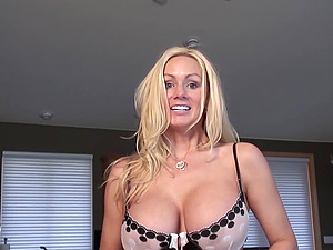NaughtyAllie rides her brand new sybian for the first time to great orgasm