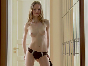 Bonnie is a pretty pale girl who loves making her pussy pulsate