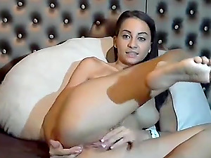 Hot girl with shaved pussy rubbing and fingering