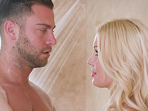 Luscious curvy Kenzie Taylor having a fantastic shower with her man