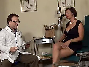 Sperm-collector Vannah Sterling fucks a physician in his office
