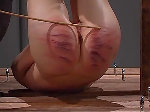 One of the things this mistress likes the most is punishing a friend