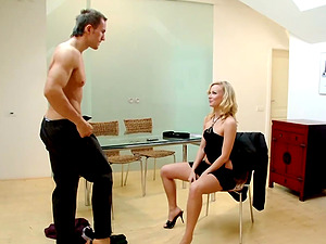 Skinny Sharon Pink enjoys sucking a fat dick on the floor