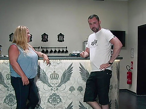 German BBW rides sybian then fucked