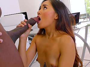Awesome chick Elle Voneva gets surprised with a big black dick