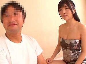 Brunette Asian Ootsuki Hibiki pleasures his hard boner with her mouth