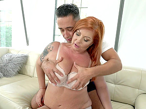 Experienced Tammy Jean works her magic on a lucky guy's dick