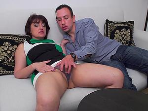 Short haired amateur mature brunette MILF Melana rides cock